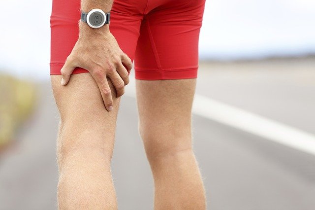 Mukelzerrung-oberschenkel-sporttherapie